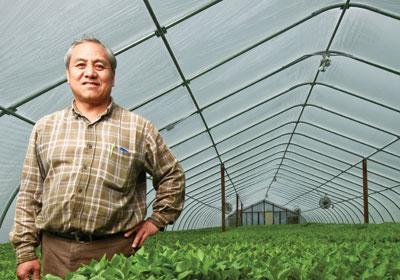 "Minnesotans Cash In On ""Truck Farming"""