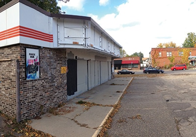 Vacant Site Prompts Bar Fight