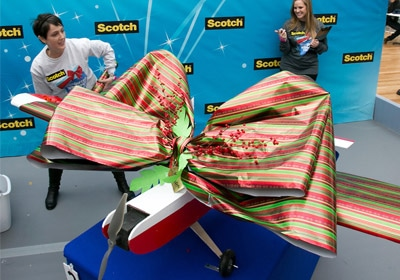 3M Contest To Award $10K To Best Gift-Wrapper