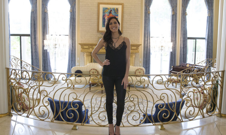The Bachelorette's Becca Kufrin Teaming with Ridgedale Center for Fashion Show