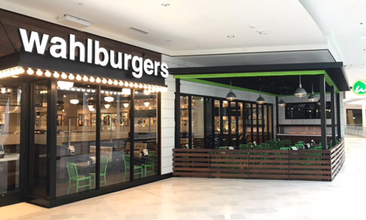 Hy-Vee Premieres Its First Wahlburgers Burger Spot at Mall of America