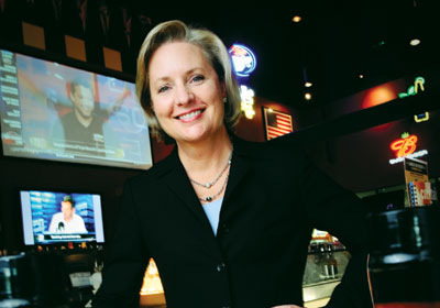Buffalo Wild Wings CEO Sally Smith to Retire