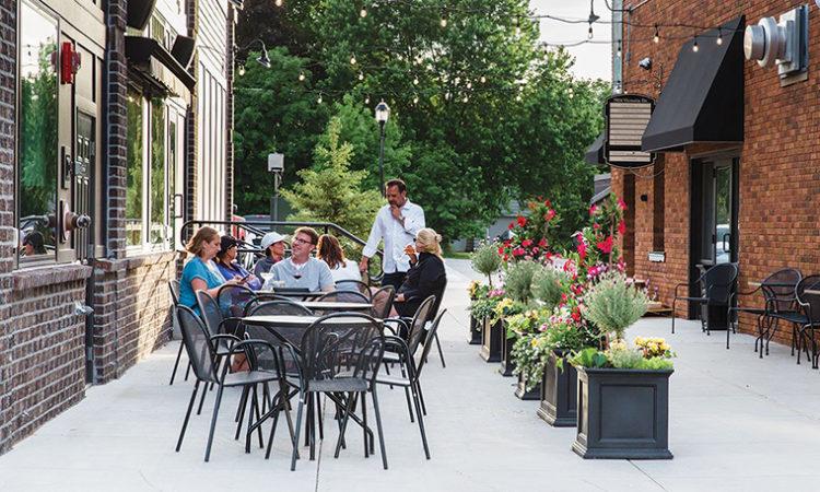 Bars, Restaurants Get Greenlight to Open for Outdoor Dining on June 1