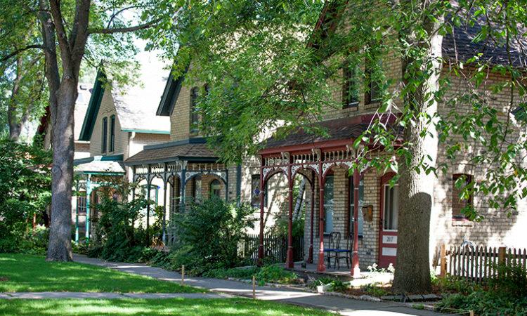 Home Listings, Pending Sales Drop Amid Covid-19