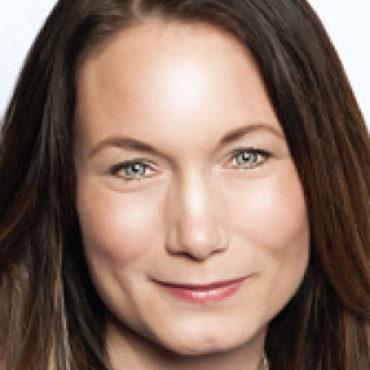Jennifer Spire portrait
