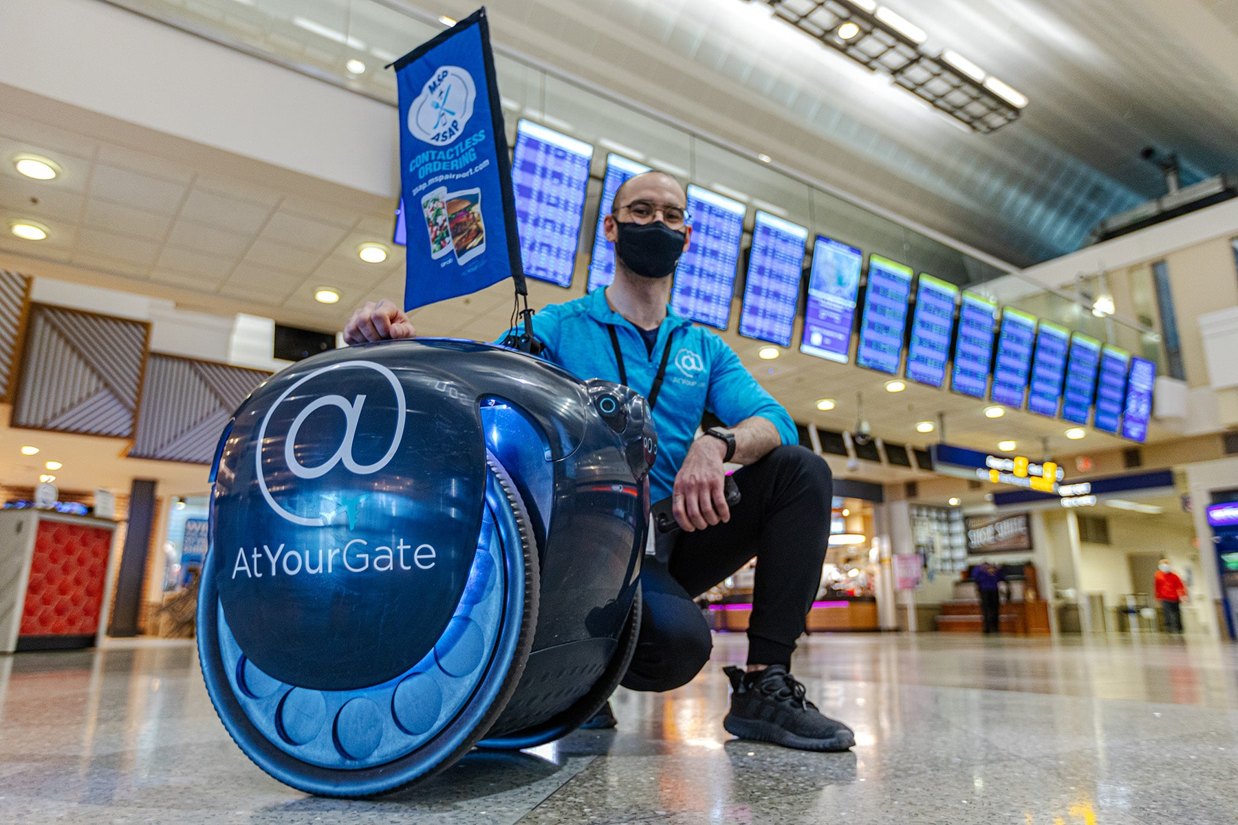 MSP Airport's Newest Agent Is a Droid