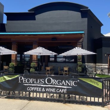 Peoples Organic Jumps from Galleria to Southdale
