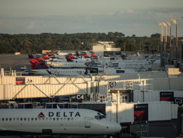 Delta airplanes lined up at MSP Airport