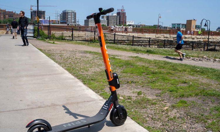 Minneapolis, St. Paul Weigh Joint Bike, Scooter Program